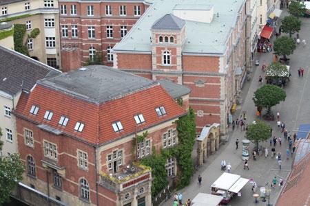 Blick von oben in die Carl-Schurz-Straße
